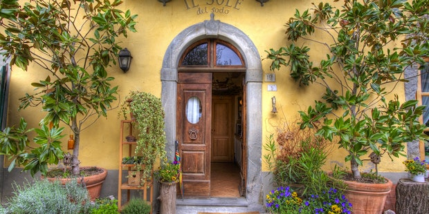 Tuscan styled farmhouse is the base for the B&B Il Sodo del Sole