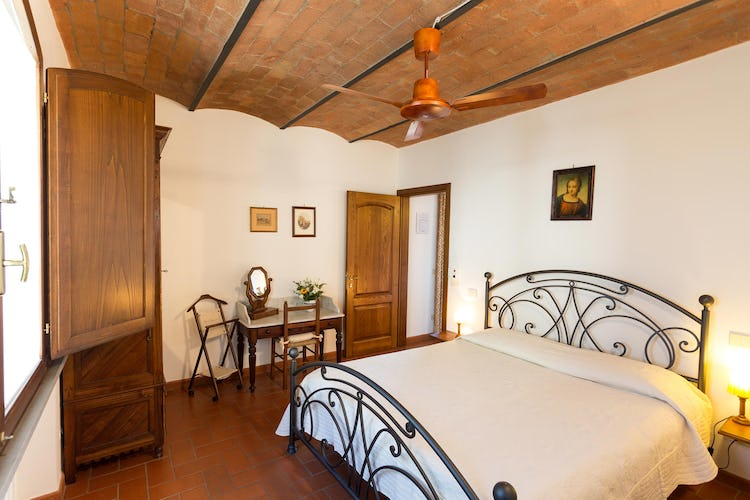 La Canigiana Chianti Vacation villas: bedrooms with ceiling fans