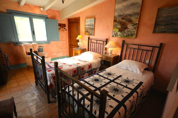 La camera con i lettini singoli dell'appartamento