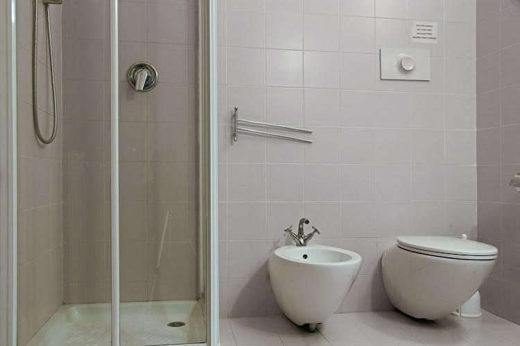 Gli appartamenti de La Certaldina sono dotati di ogni servizio e comodità moderna, dagli asciugacapelli al wifi ed alla lavanderia in comune