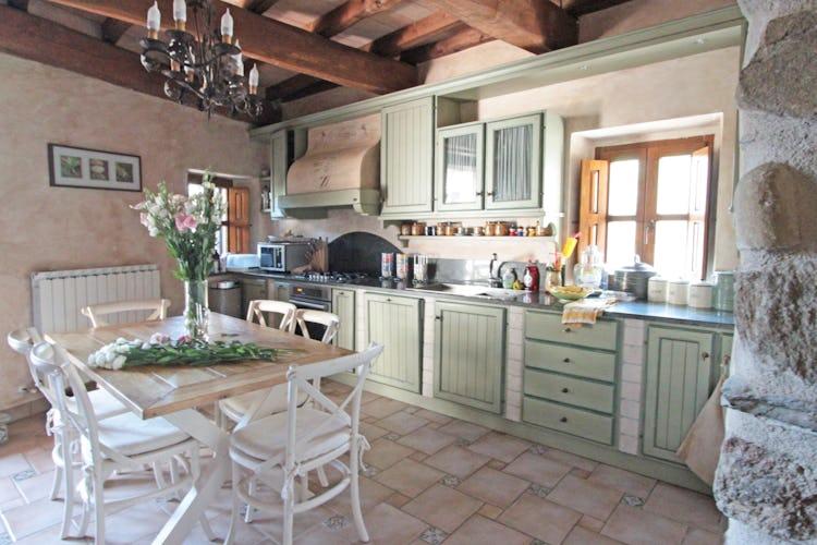 La Loggia Fiorita holiday villa rental and a fully equipped kitchen