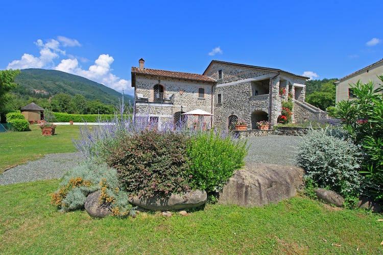 La Loggia Fiorita holiday villa rental with private garden