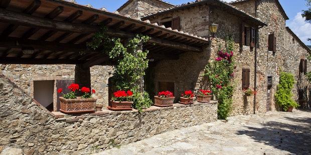 Chianti Farmhouse La Rocca di Cispiano