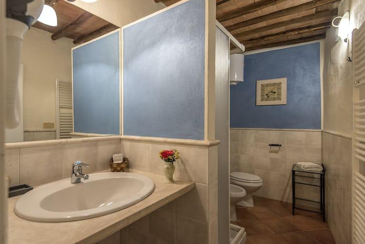 La Rocca di Cispiano:  bathrooms