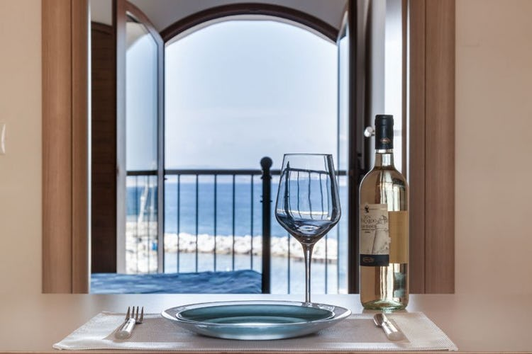 Choose a relaxing vacation at Vecchia Scuola in the port town of Cavo