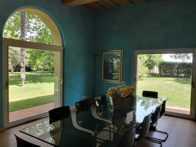La Villa con gli Archi: grazioso connubio di architettura tradizionale, colori pastello, mobilio d'antiquariato e moderno