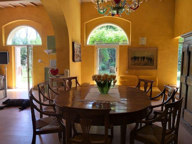 La Villa con gli Archi è stata ristrutturata con attenzione a preservarne le caratteristiche principali dell'architettura tradizionale