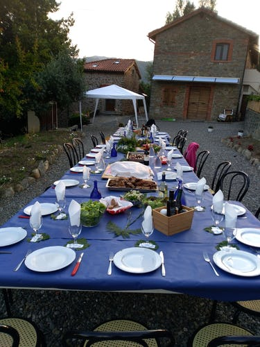 Lunantica Podere Il Falco - Enjoy outdoor meals and events
