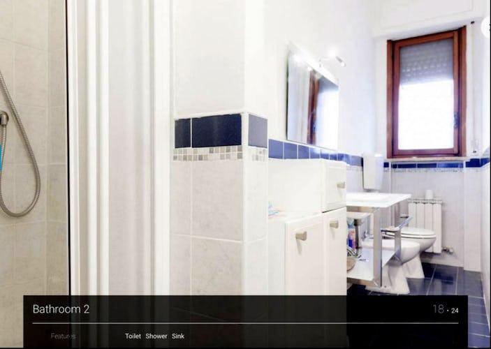I due bagni dell'appartamento sono dotati di tutto l'occorrente
