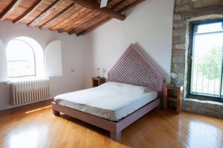 Montrogoli offre 5 camere da letto ed un comodo divano letto