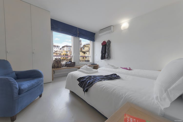 Old Bridge Apartment: Second bedroom with panoramic view on Ponte Vecchio