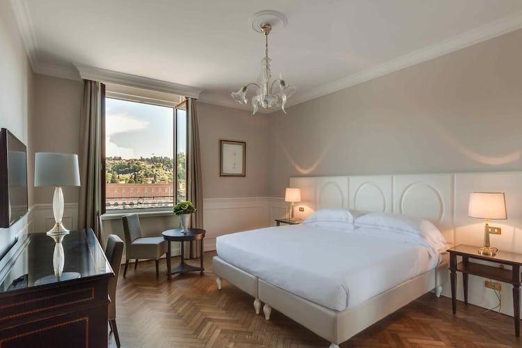 Plaza Hotel Lucchesi - vi è la possibilità di riservare una camera con vista