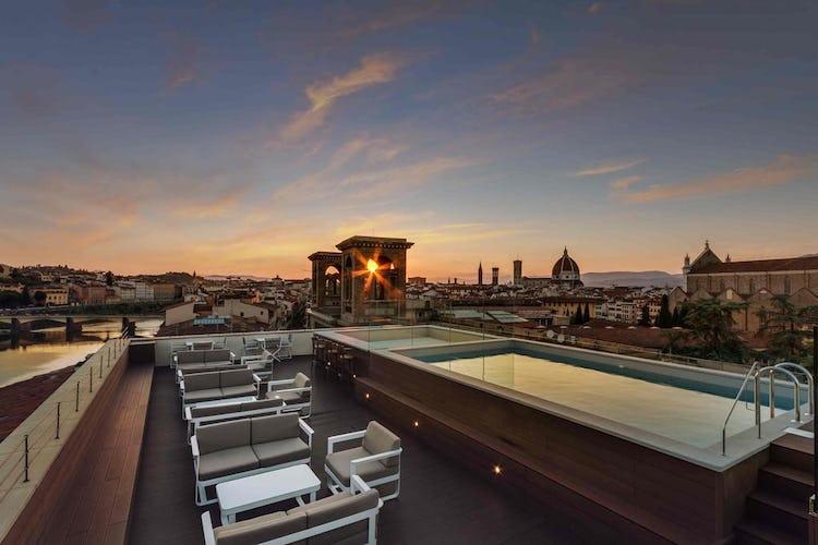 Plaza Hotel Lucchesi - la meraviglia di un panorama al tramonto