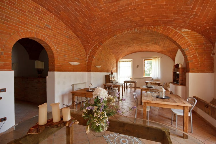 Podere Raffaello - Brick Vaulted Ceilings
