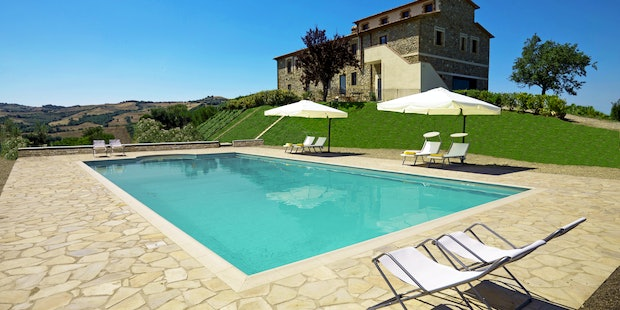 Poderi Firenze external view with pool