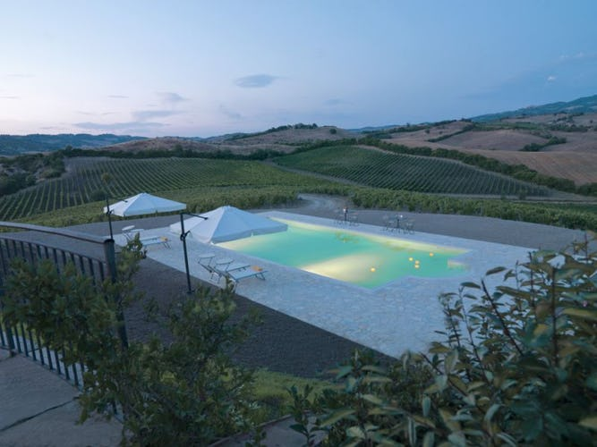 Poderi Firenze, the swimming pool at night