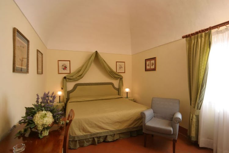 Tea sets and air conditioning at il Chiostro di Pienza