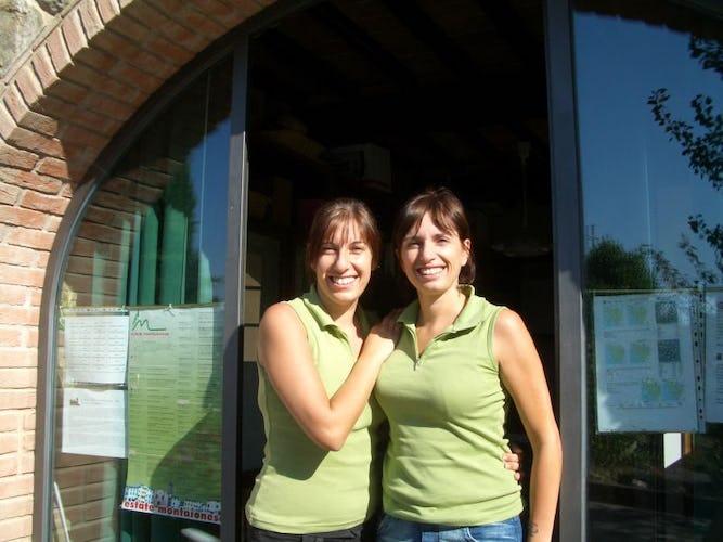 Laura e Stefania, le sorelle proprietarie del residence
