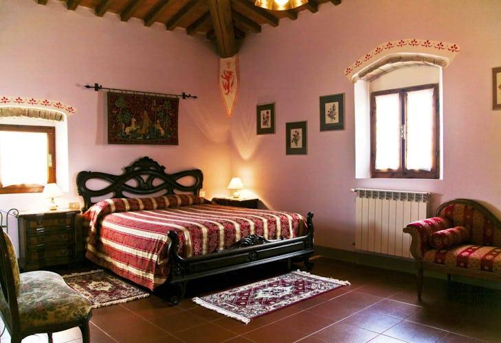 Sant Andrea Cellole - Letti in eleganti strutture in legno massello