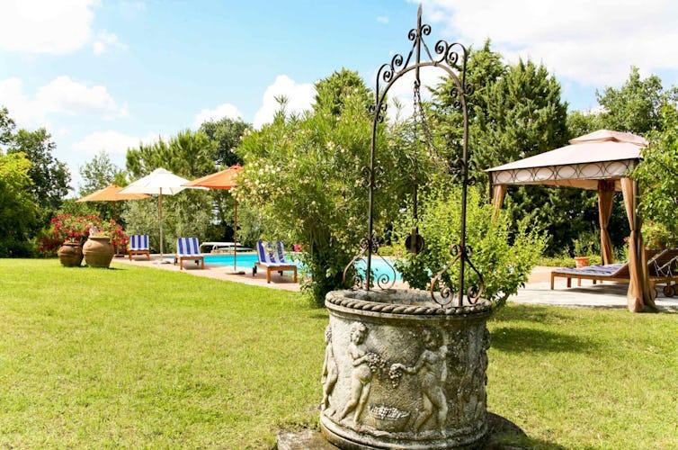 Sant Andrea Cellole - Il giardino tenuto alla perfezione e curato in ogni dettaglio