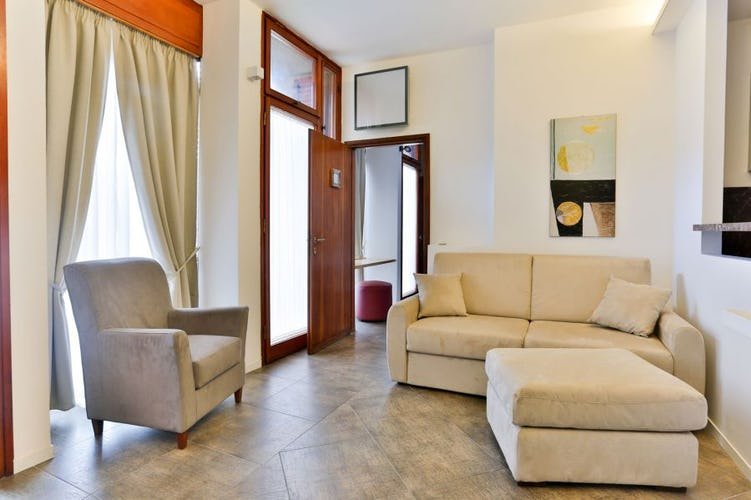 Santa Croce Vacation Apartment in Florence luminous and elegant