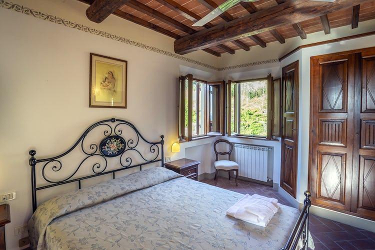 Bedroom in Galileo Apartment in Chianti Villa