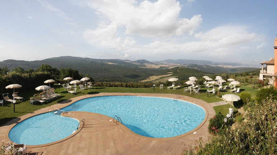 Tenuta Quadrifoglio: super large private pool