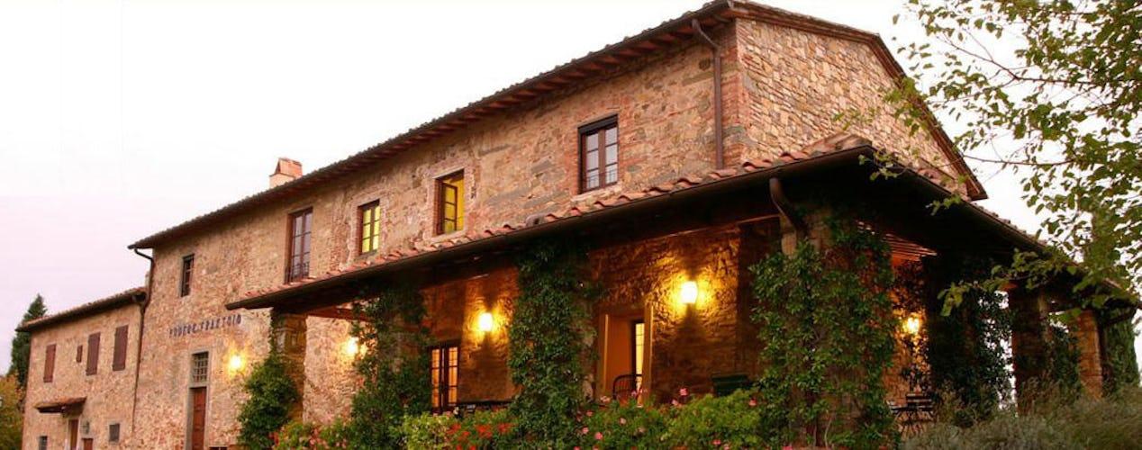 Tradizioni di famiglia, ottimo cibo, paesaggi e comfort moderni