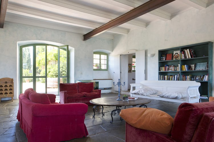 Terzo di Danciano: Spacious and bright common areas