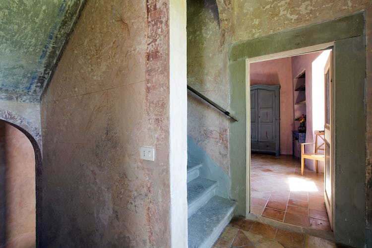 Terzo di Danciano: Walls with ancient markings have been preserved