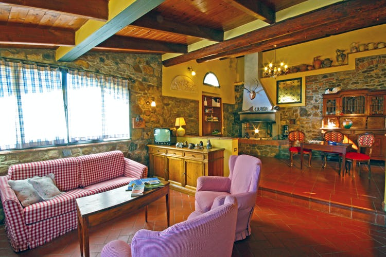 Comfortable space & rooms at Villa Cafaggiolo vacation apartments