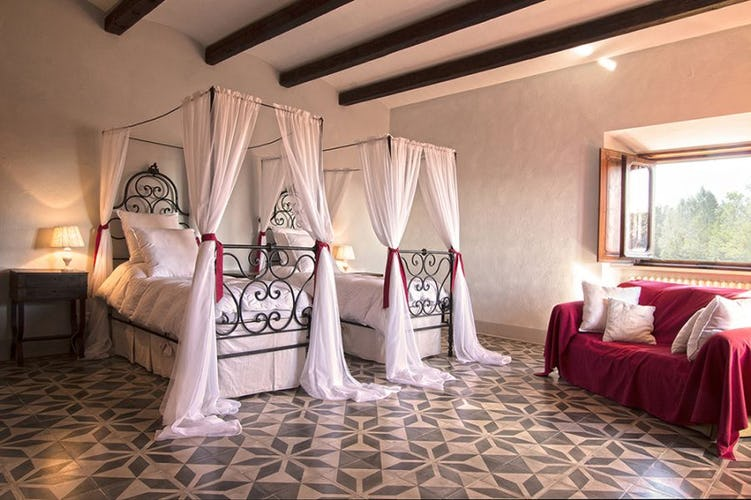 Tuscany Villa Rental for Weddings & Events