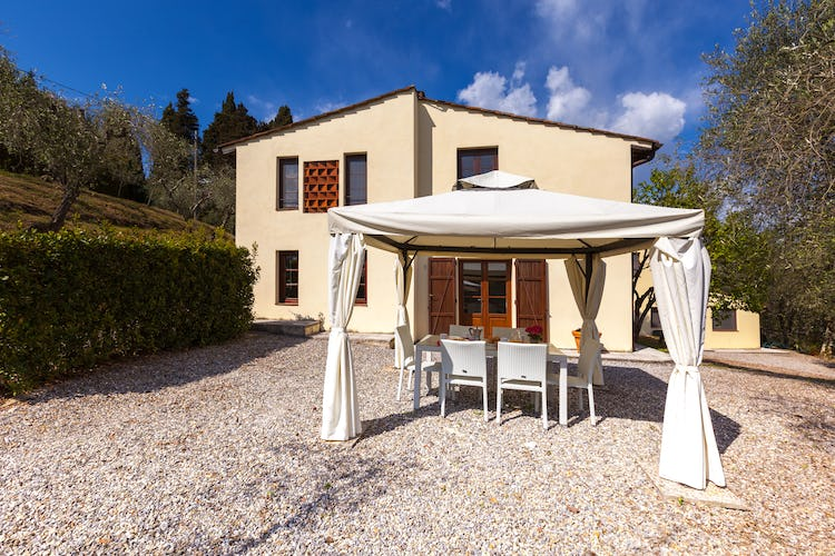 Ghiaia Holiday Villas & Homes: Secluded garden areas on the family run estate