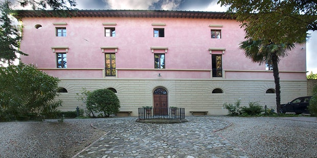 17th Century Tuscan Villa Humbourg with B&B Accommodations
