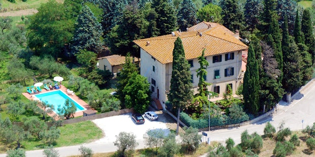 Panoramica di Villa I Leoni a Montespertoli, nel Chianti