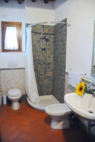 Ogni villa del Resort Montegufoni ha 4 camere da letto e 3 bagni