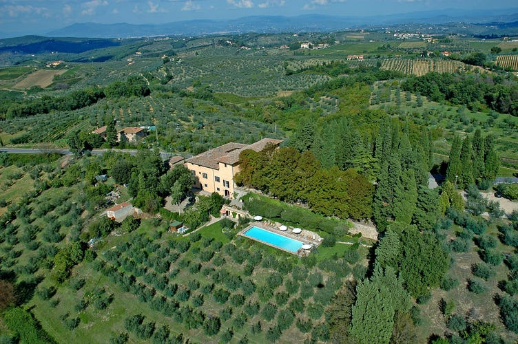 Villa il Poggiale - An arial view of the estate