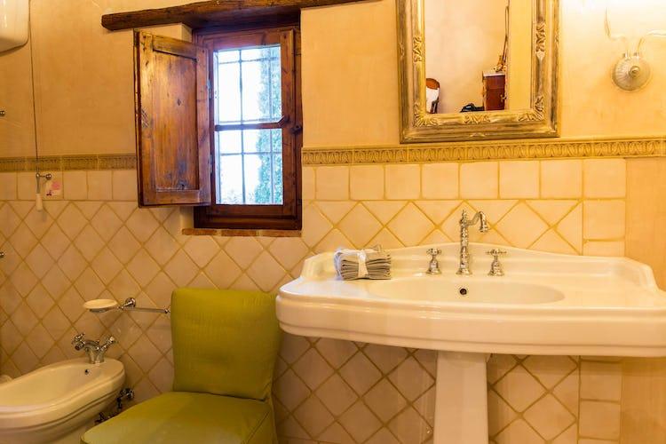 Villa La Fonte - Il bagno, in stile classico ed elegante