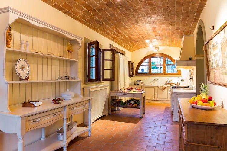 Villa La Fonte - Dettaglio del soffitto a volta con i mattoni rossi, tipici toscani