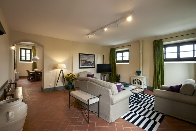 Choose from B&B suites and self catering apartments at Villa Lilliano