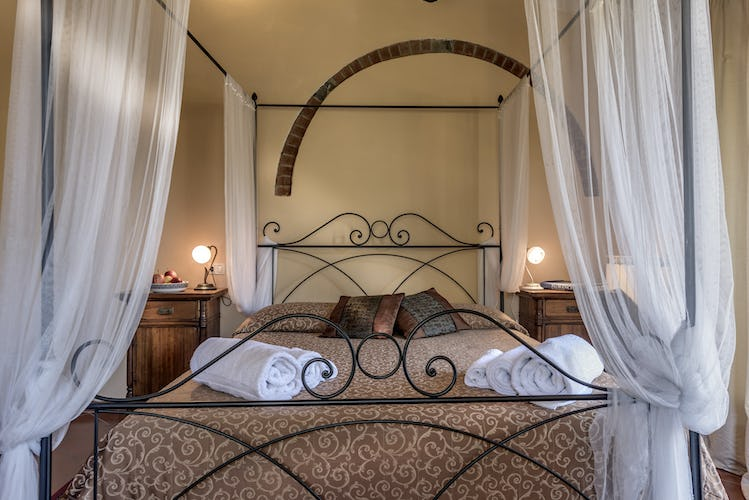 Romantic Bedroom in Villa Poggio di Gaville