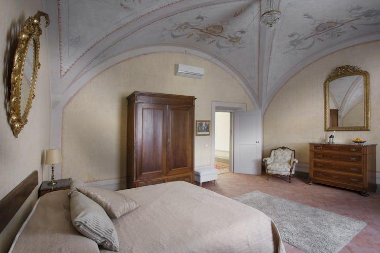 Villa Roveto: letto dalle dimensioni extra large e divano letto