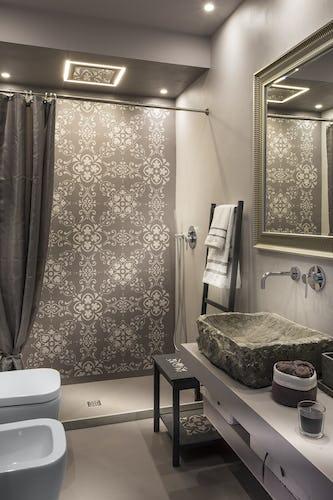 Villa Roveto: l'esclusivo bagno con doccia