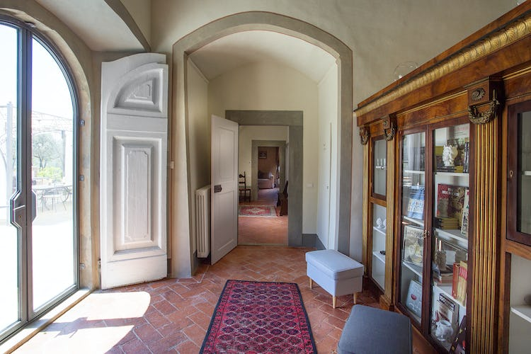 Villa Roveto: Hall way connecting bedrooms and living room