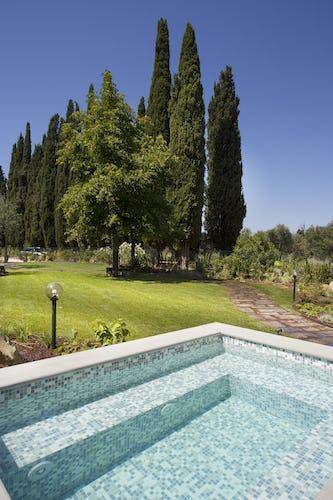 Villa Roveto: dalla piscina si può ammirare il tipico panorama collinare toscano