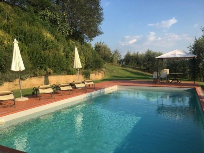 Villa Tiziana: la piscina ad uso esclusivo degli ospiti con vista sul Chianti