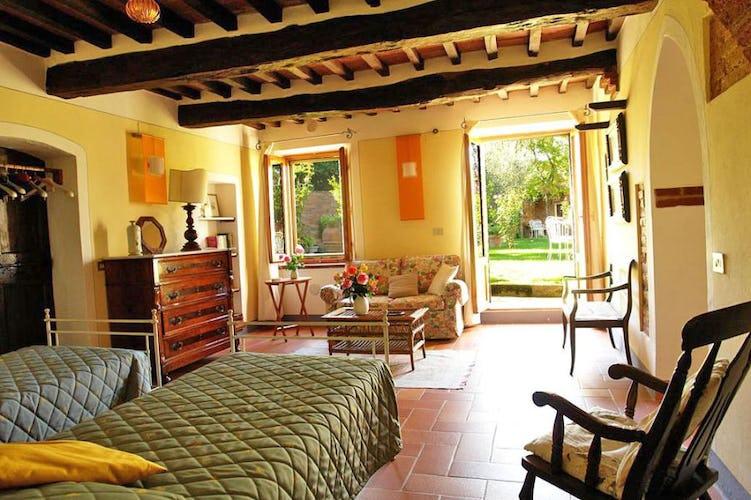 Twin beds of Giardino Apartment