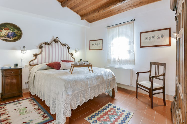 Fattoria Viticcio Rental Apartments & Vineyard: Beatrice apt with double bedroom