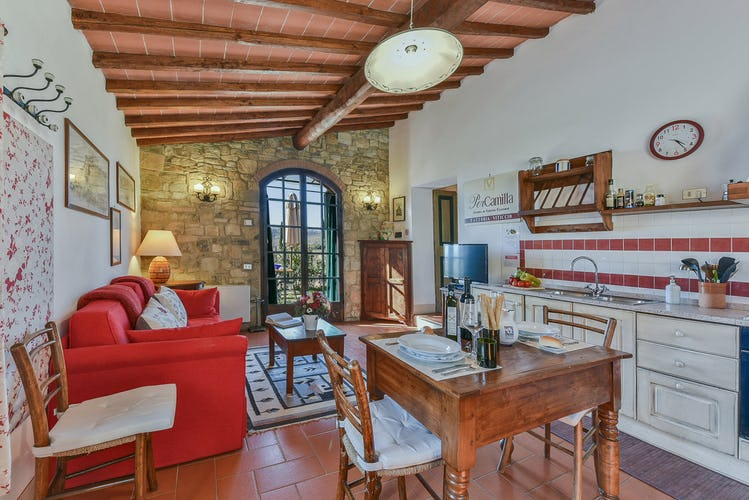 Fattoria Viticcio Rental Apartments & Vineyard: Characteristic decor in Tuscany