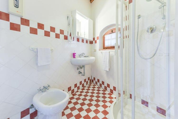 Ogni ambiente e stanza di Viticcio è pensato per farti trascorrere un soggiorno accogliente e comodo nel cuore del Chianti